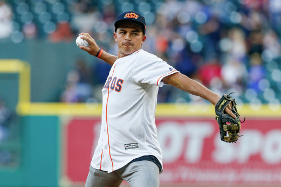 170331-rickie-fowler-pitch-th.png