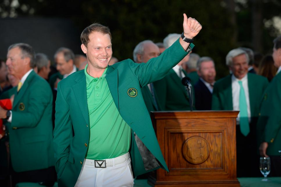 danny-willett-masters-preview-2016-sunday-green-jacket-thumbs-up.jpg