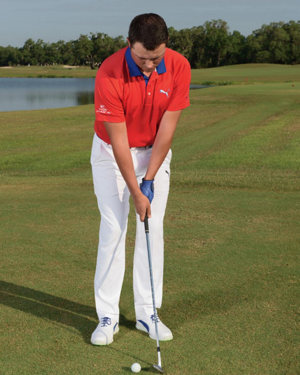 Swing-tips-Jorge-Parada-chipping-clubs.jpg