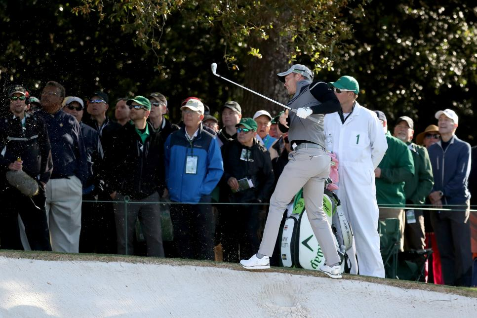danny-willett-masters-2017-friday-first-hole-bunker-shot.jpg