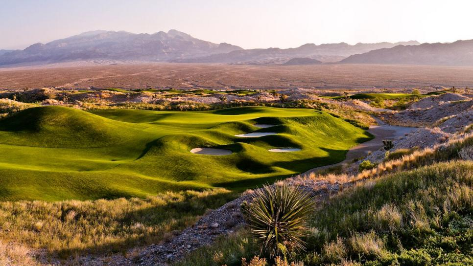Las-Vegas-Paiute-Golf-Resort-Wolf-Course-hole-8.jpg