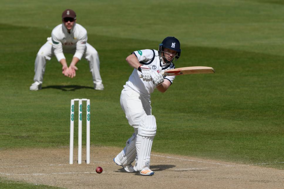 Warwickshire v Surrey - Specsavers County Championship: Division One