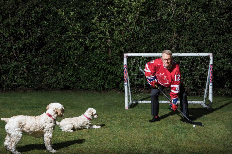 European-Tour-chief-Keith-Pelley-with-family-dogs.jpg