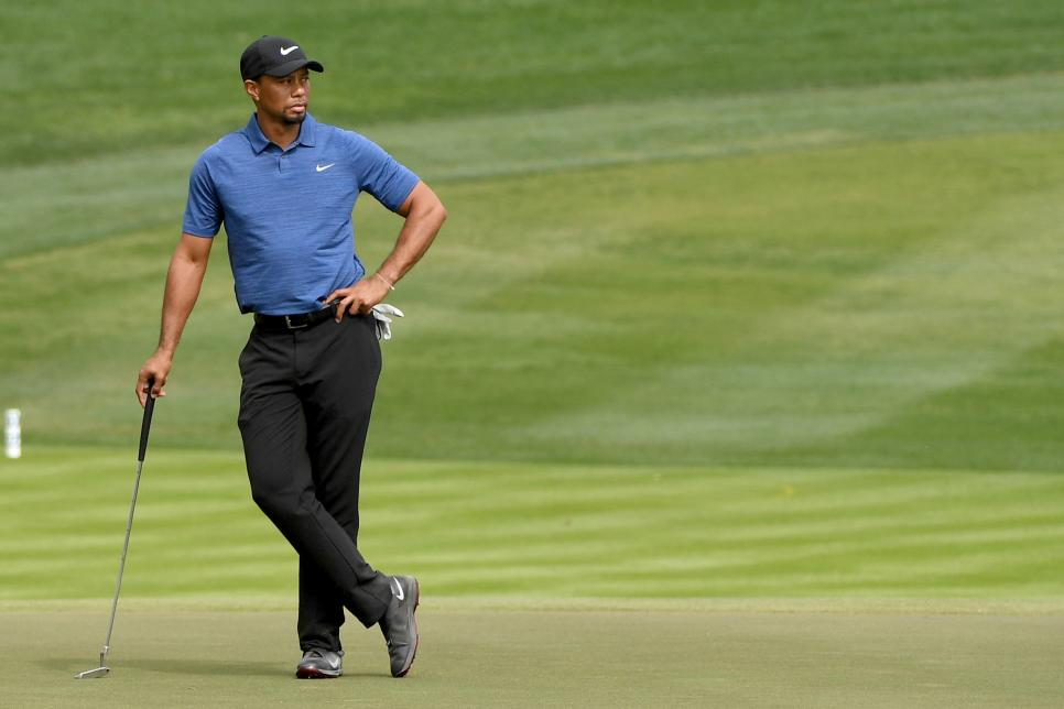 tiger-woods-blue-shirt-dubai-2017.jpg