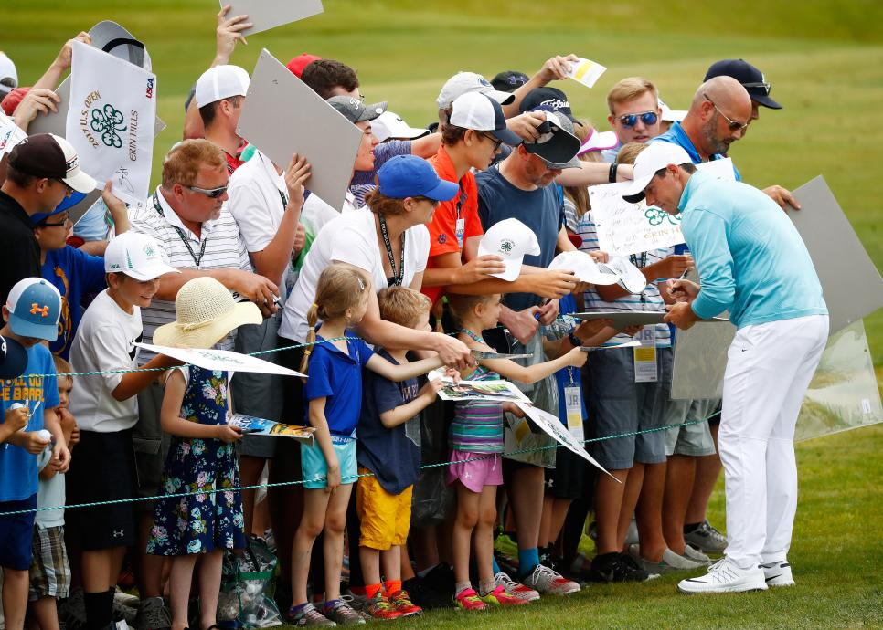 rory-mcilroy-signing-autographs-us-open-2017-tuesday.jpg