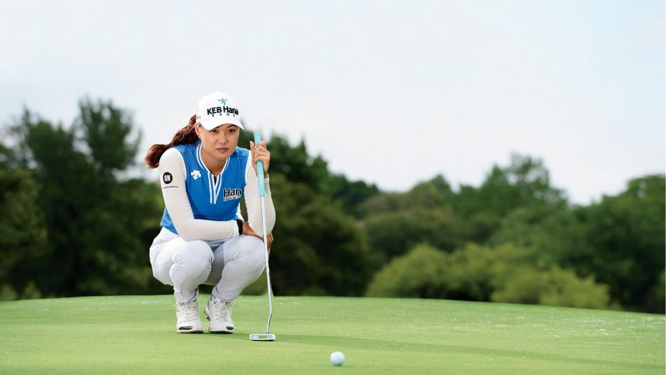 Minjee-Lee-reading-putt.jpg