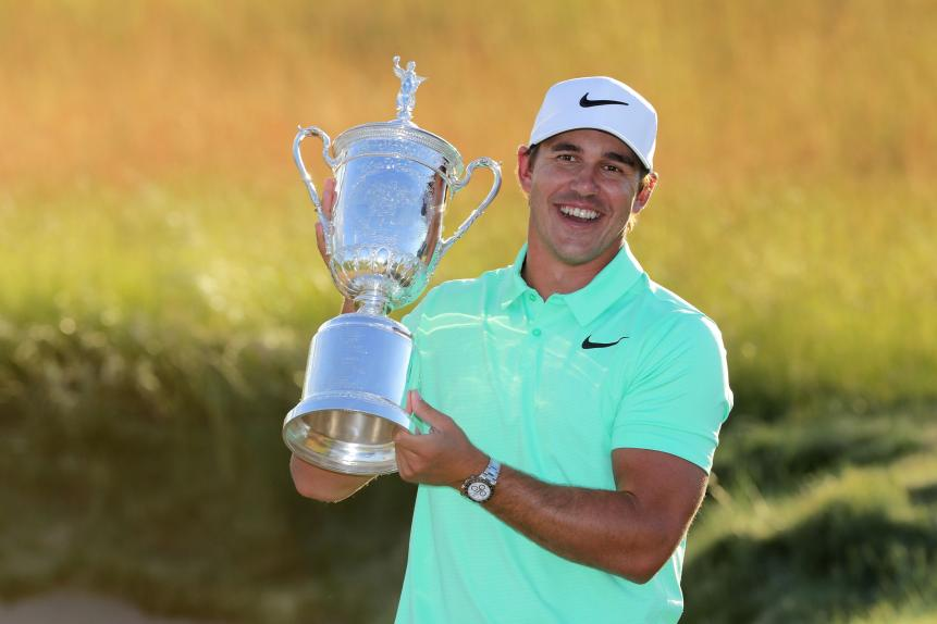brooks-koepka-us-open-2017-trophy-sunday.jpg