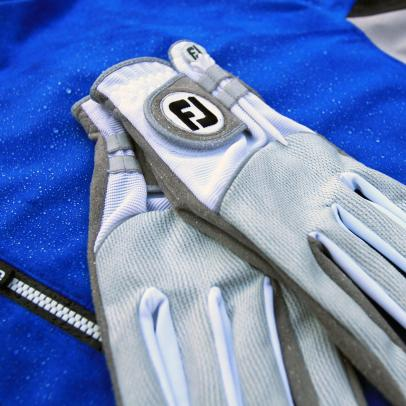 One of golf's best rain gloves gets an upgrade for 2017
