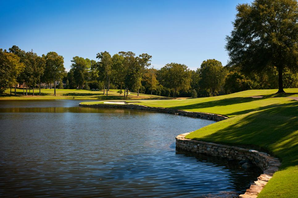 Quail-Hollow-Club-hole-17.jpg