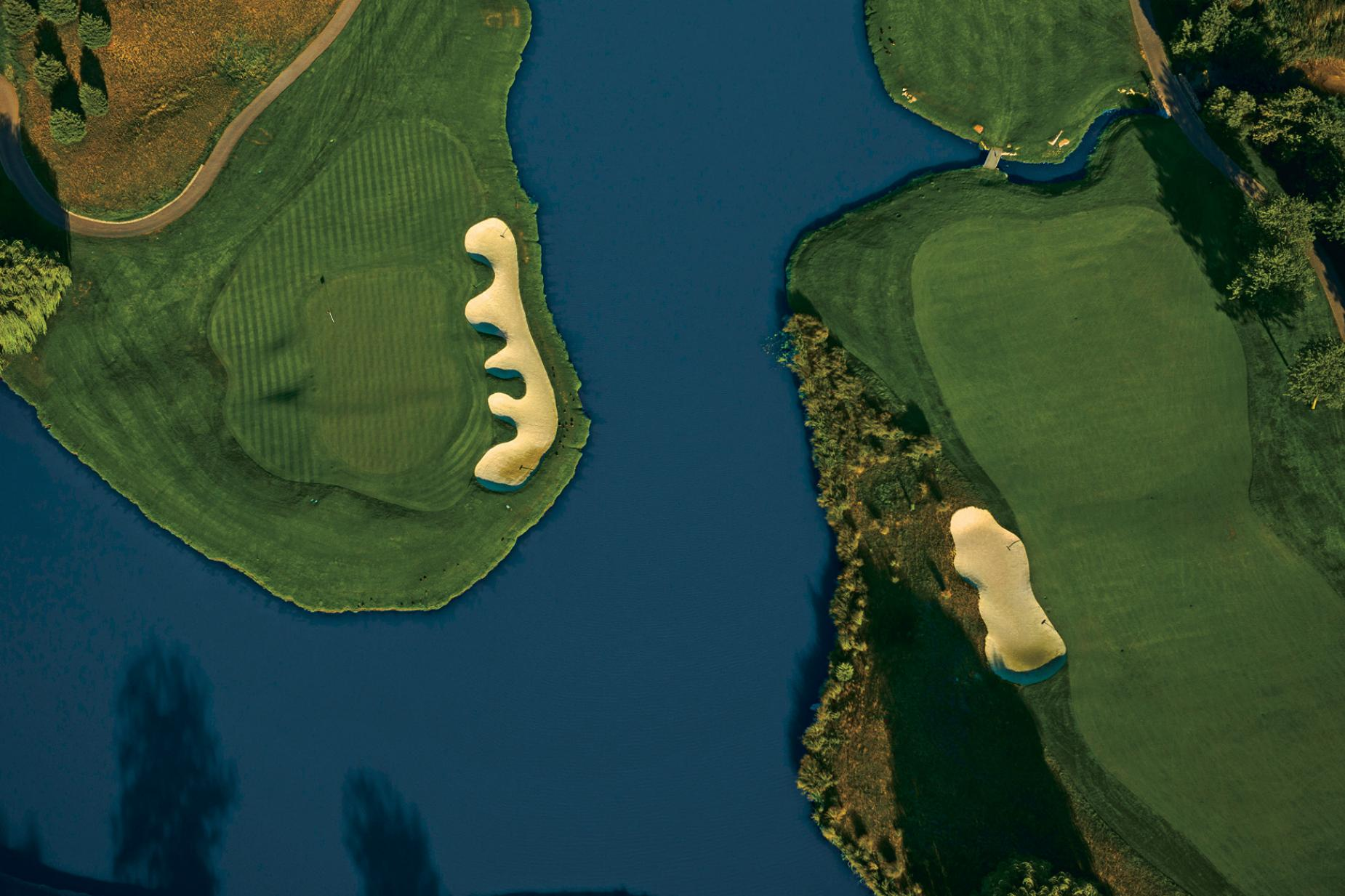 Liberty-National-Golf-seventh-green-sixth-fairway-aerial.jpg