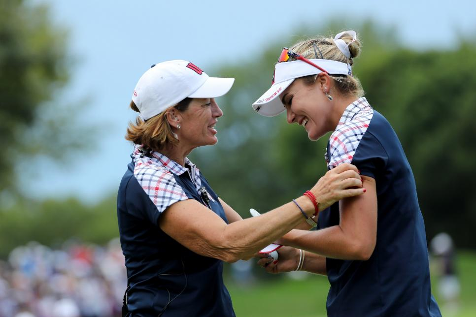 juli-inkster-lexi-thompson-solheim-cup-2017-sunday-celebration.jpg