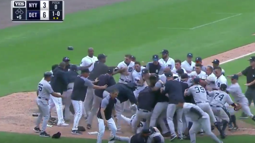 170824-yankees-brawl2.png