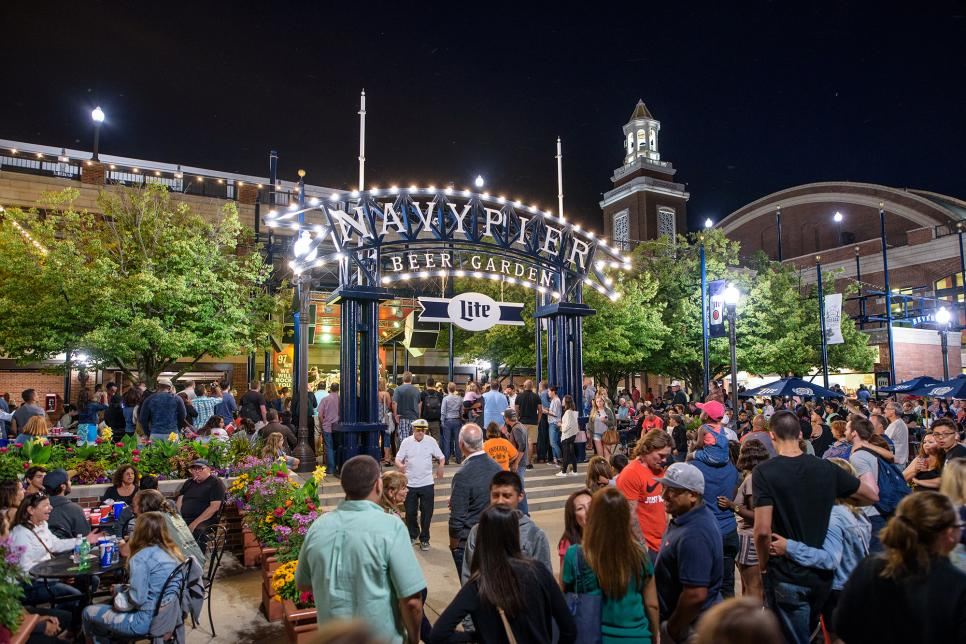 Chicago-Beer-Garden-and-Cafe-at-Navy-Pier.jpg
