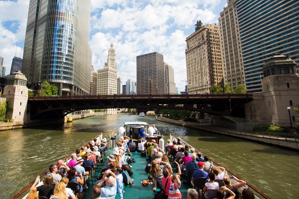 Chicago-Architecture-Foundation-River-Cruise.jpg