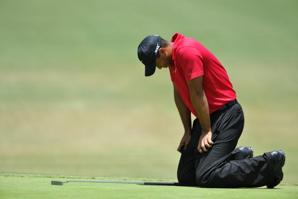 tiger-woods-2008-us-open-knees-pain-magazine-supernatural.jpg