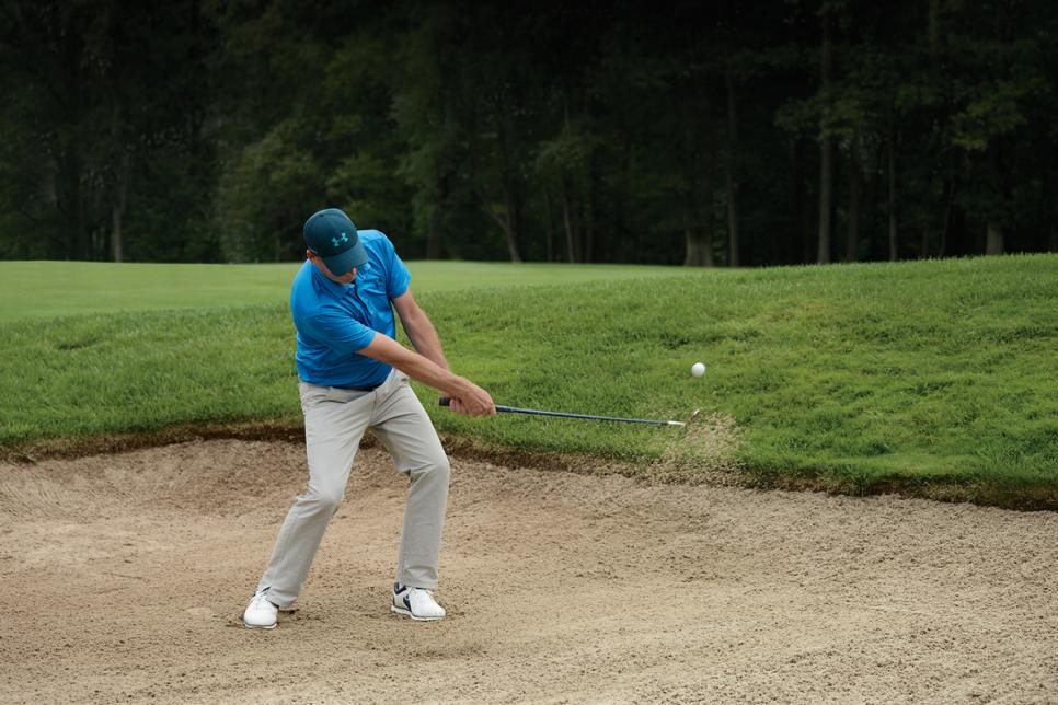 Will-Robins-hitting-out-of-bunker.jpg