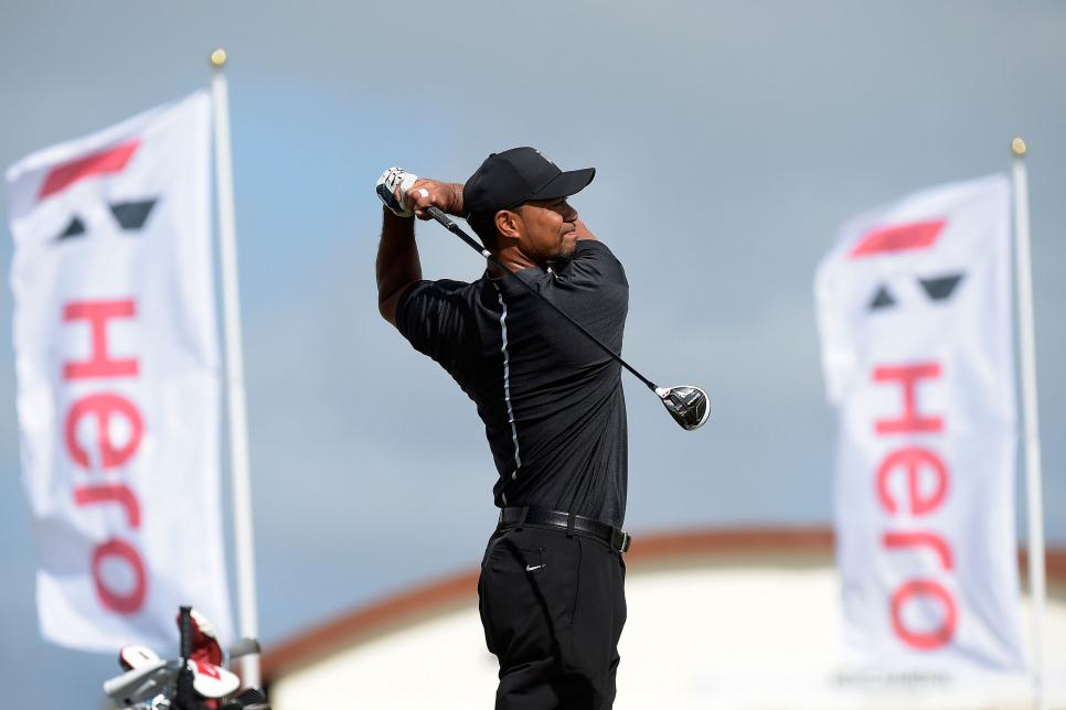 tiger-woods-2016-hero-world-challenge-driving-range.jpg