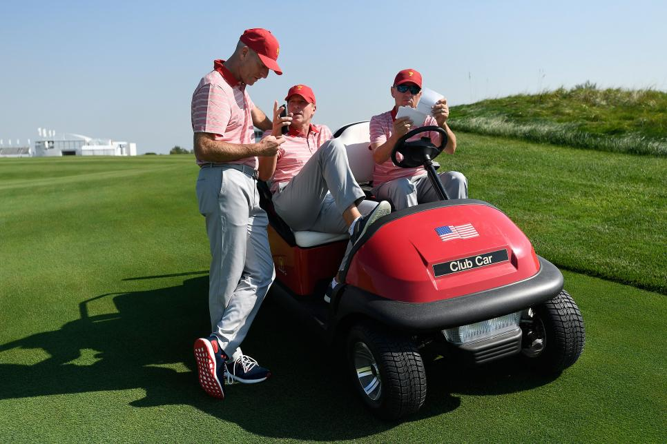 noty-presidents-cup-us-captains-golf-cart.jpg