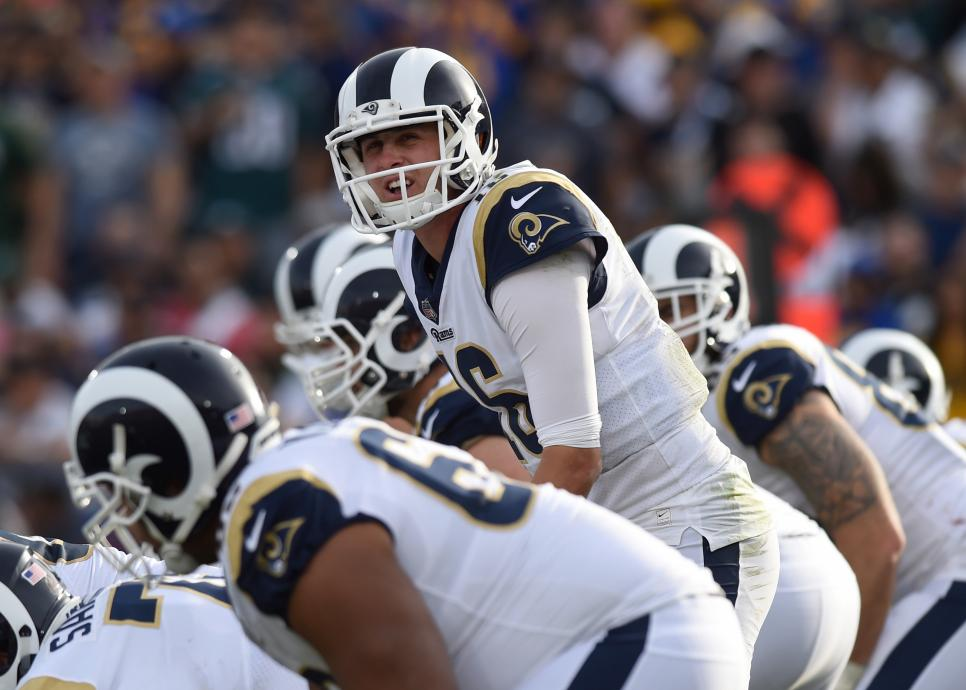 NFL: DEC 10 Eagles at Rams