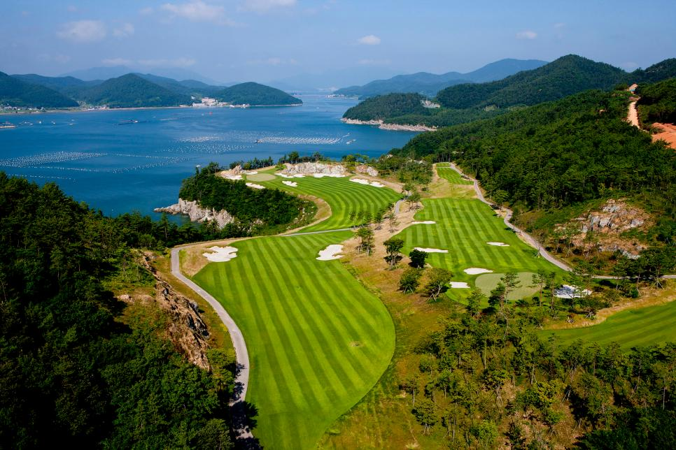 South-Cape-GC-Owners-Club-South-Korea.jpg
