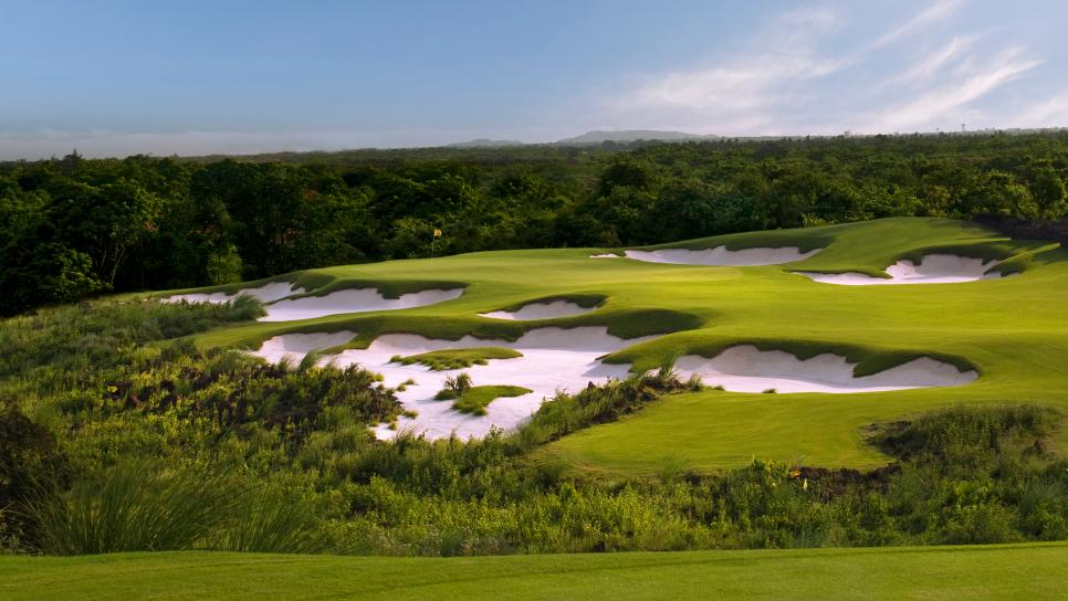 Mission-Hills-Haikou-Black-Stone-Course-China.jpg