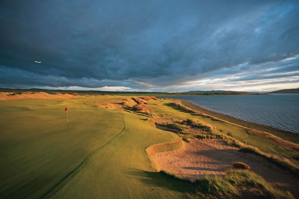 Castle-Stuart-Golf-Club-Scotland.jpg