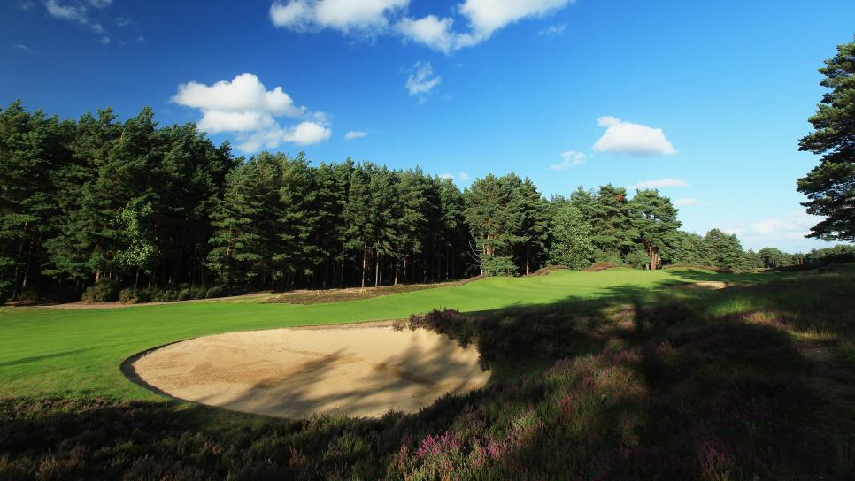 Sunningdale-Golf-Club-New-Course-hole-12-Surrey-England.jpeg