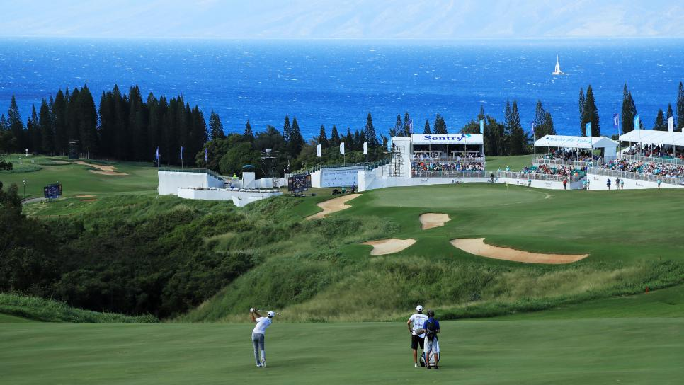 dustin-johnson-18th-kapalua-beauty-shot-2018.jpg
