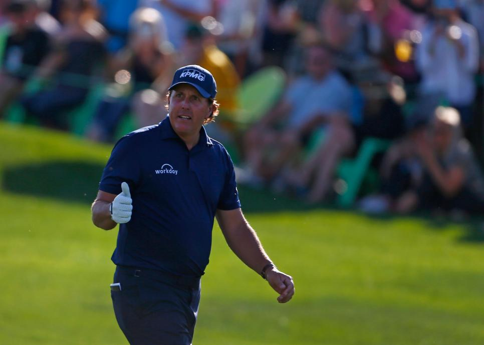 phil-mickelson-waste-management-2018-sunday-thumbs-up.jpg