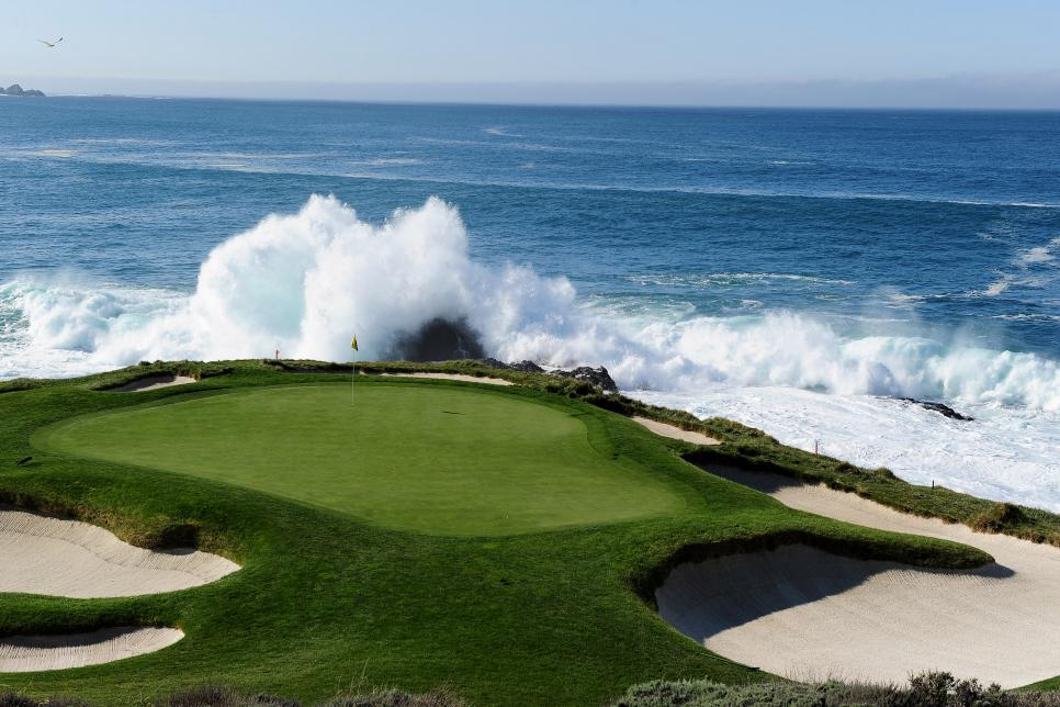 pebble-beach-seventh-hole-2010