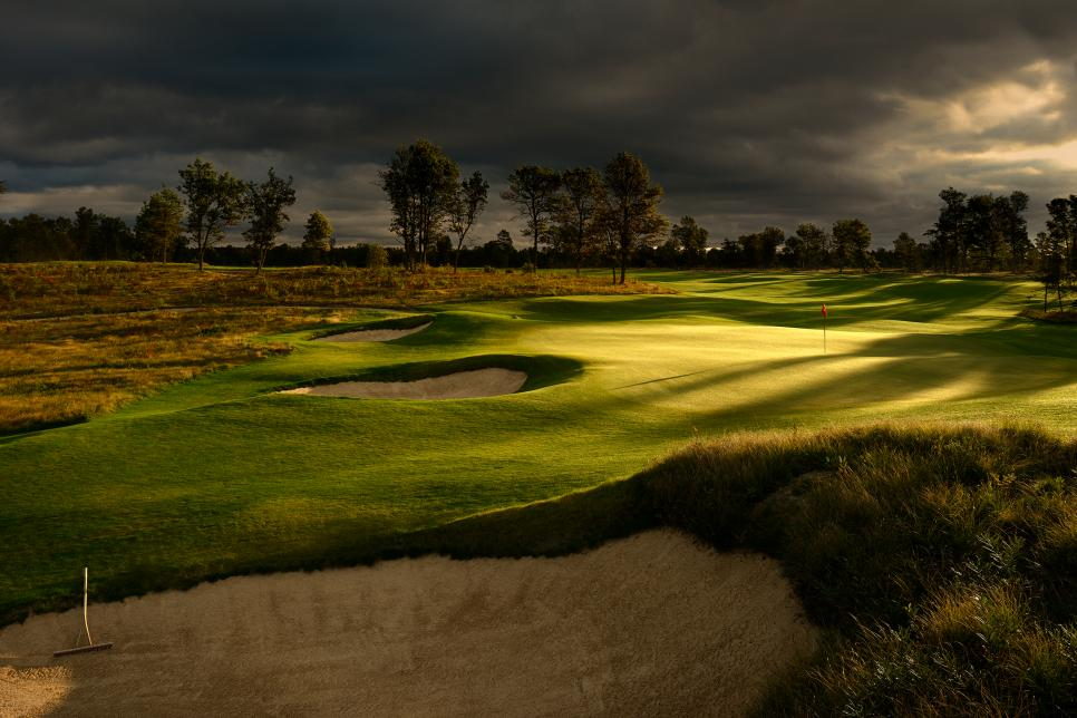Michigan-Must-Plays3-The-Loop-at-Forest-Dunes.jpg
