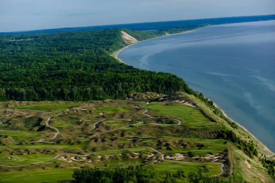 Michigan-Must-Plays1-Arcadia-Bluffs.jpg