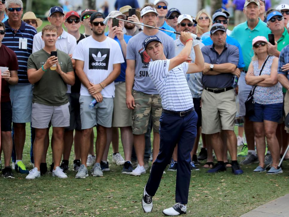 justin-thomas-honda-classic-2018-playing-in-front-of-fans.jpg