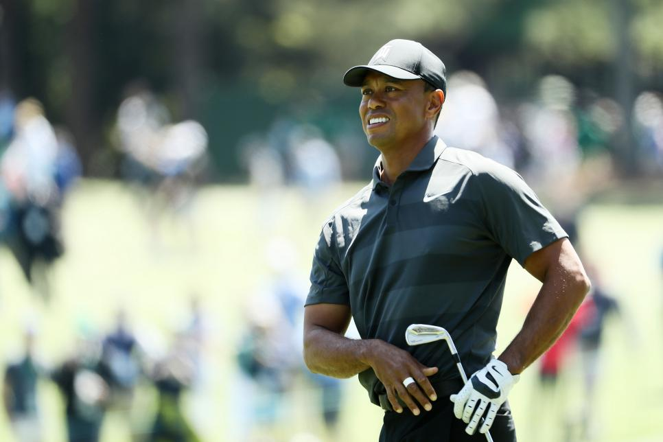 tiger-woods-masters-2018-thursday-watching-shot.jpg