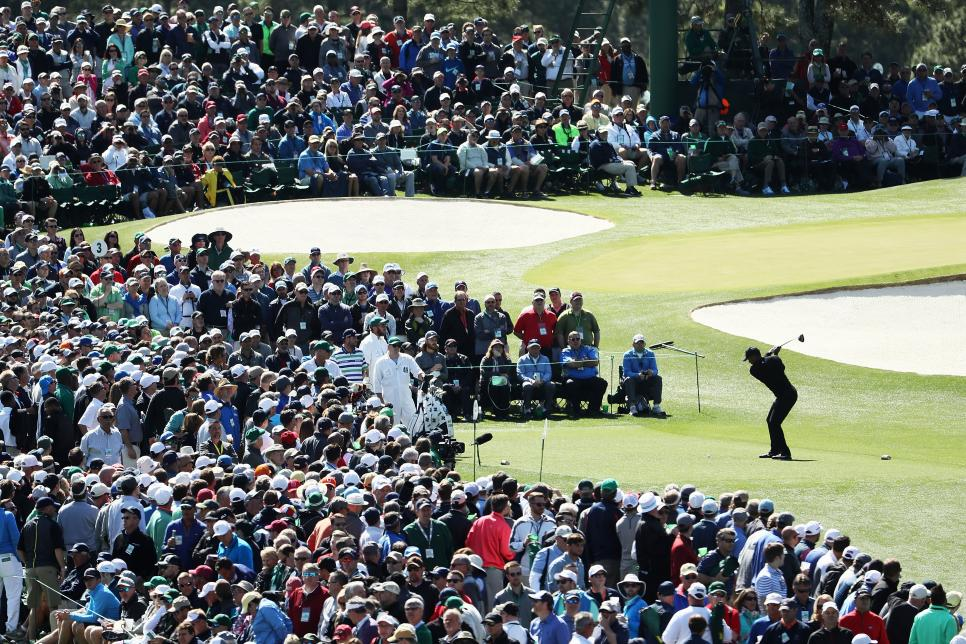 tiger-woods-masters-2018-thursday-third-tee-crowds.jpg