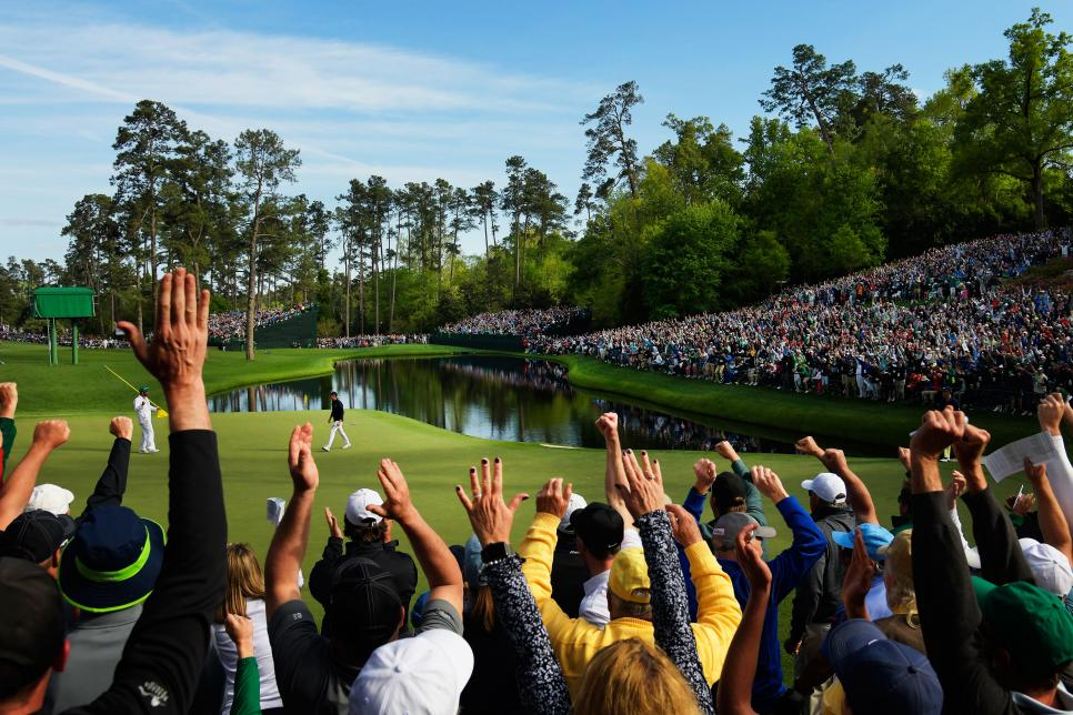 masters-2018-sunday-16th-hole-crowd-cheering-jordan-spieth.jpg
