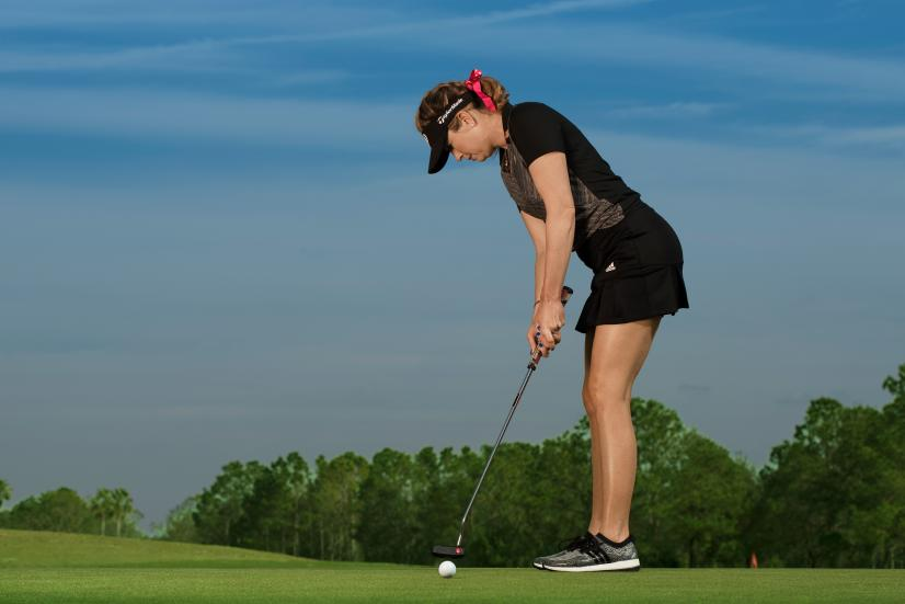 Paula-Creamer-putting-grip.jpg
