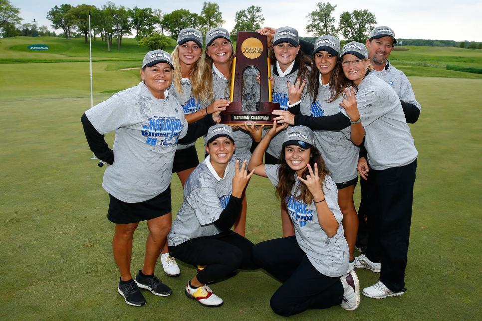 arizona-state-women-ncaa-2017-trophy.jpg