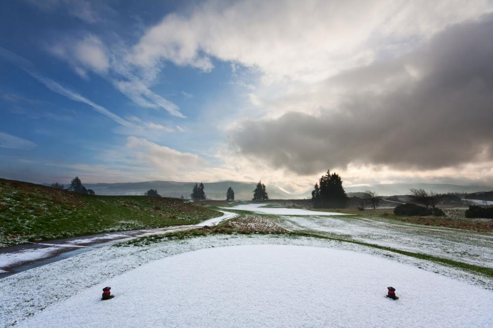 golf-course-snow-covered-tee.jpg