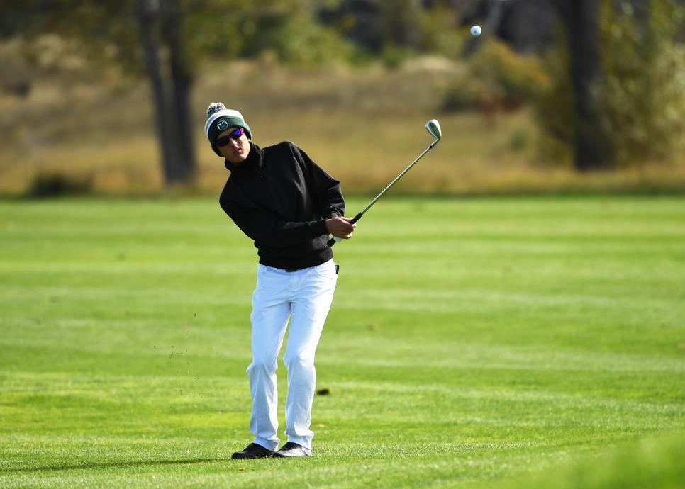 bundled-up-high-school-golfer-colorado.jpg