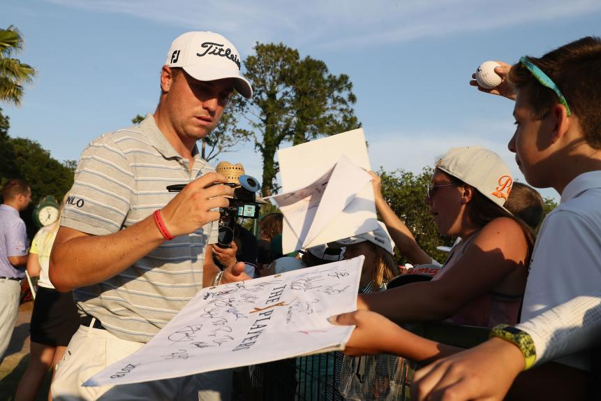 justin-thomas-players-2018-friday-signing-autographs.jpg