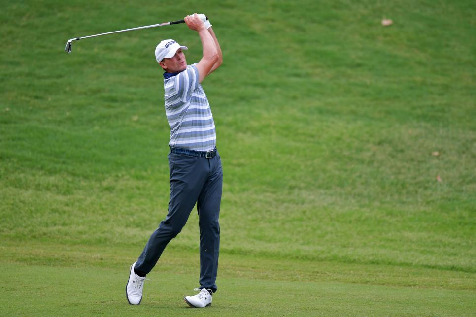 steve-stricker-2018-regions-tradition-sunday-swinging.jpg