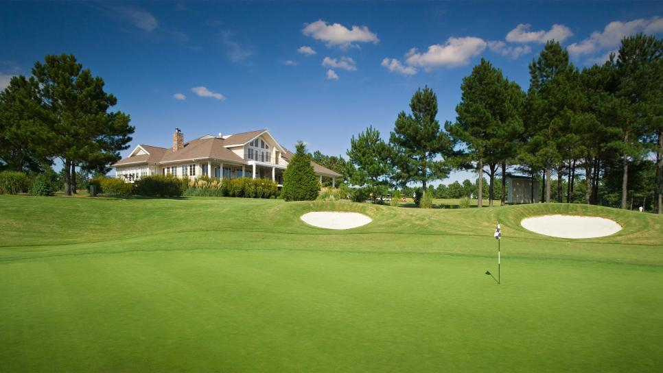 Heritage-Golf-Club-clubhouse.jpg