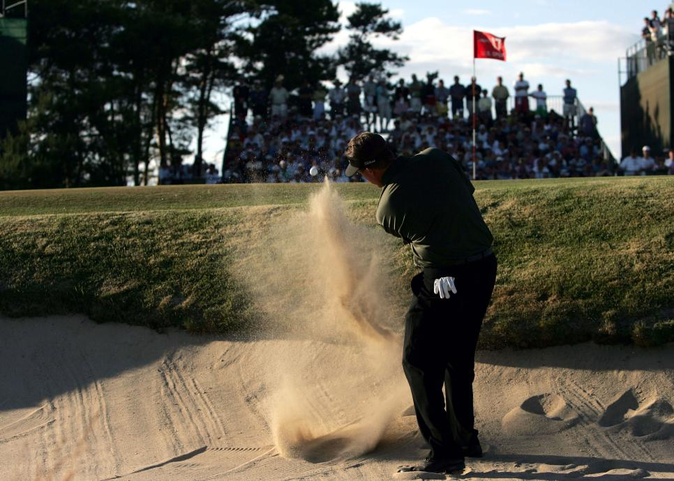 phil-mickelson-2004-us-open-sunday-17th-hole-bunker.jpg