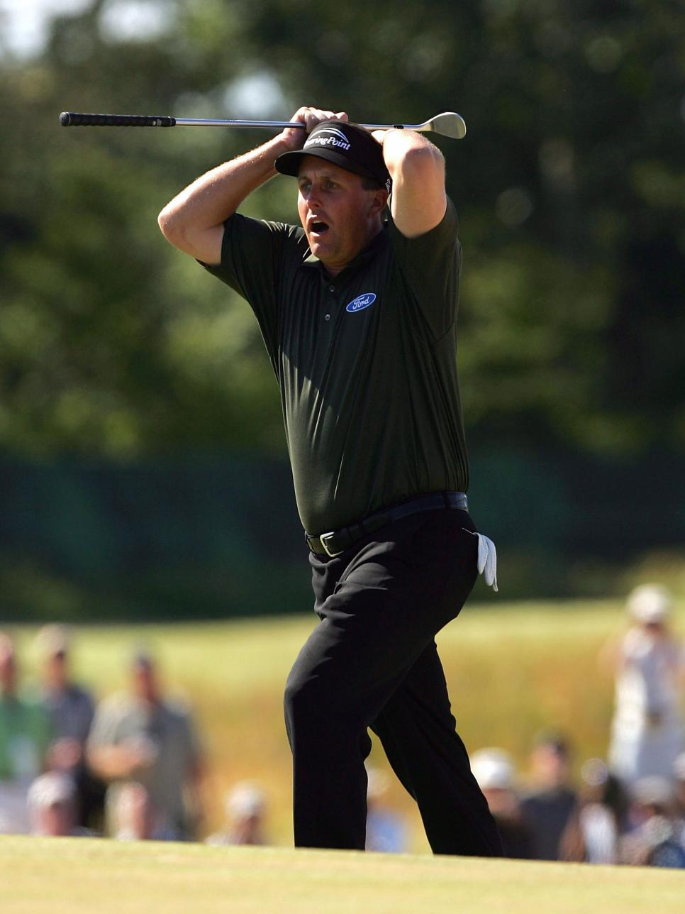 phil-mickelson-2004-us-open-sunday-7th-hole.jpg