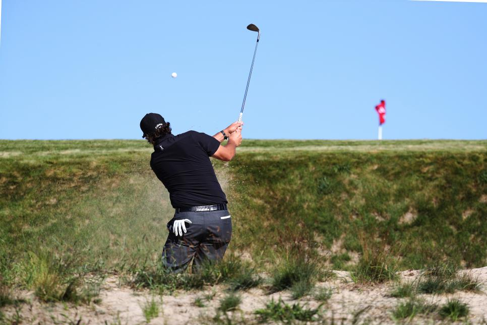 180614-phil-mickelson-early.jpg