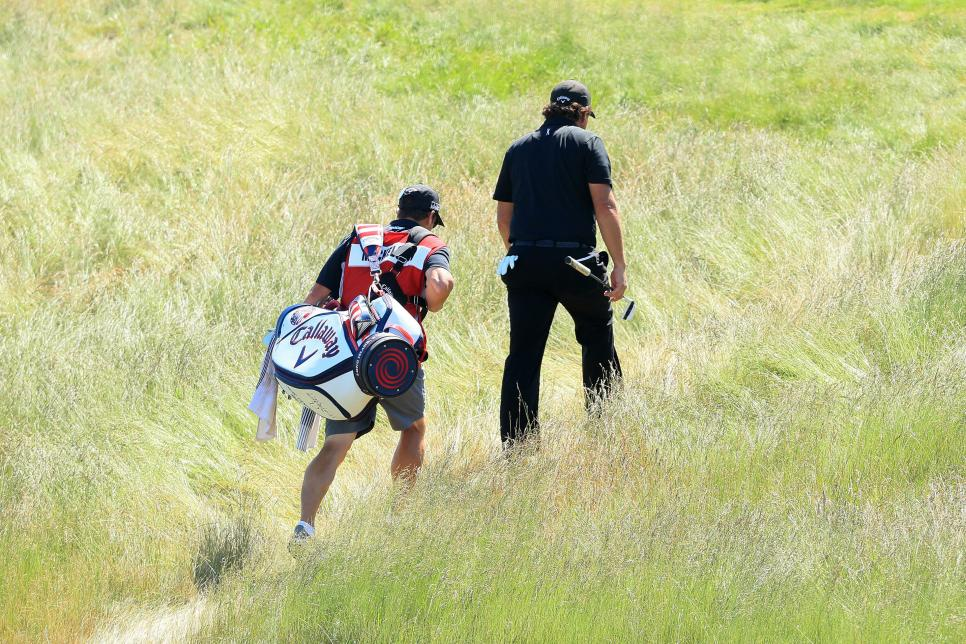 phil-mickelson-us-open-2018-sunday-walking-heather.jpg