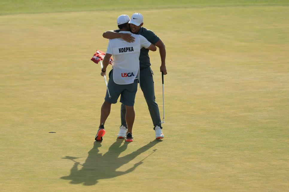 brooks-koepka-caddie-us-open-sunday-2018-hugging.jpg