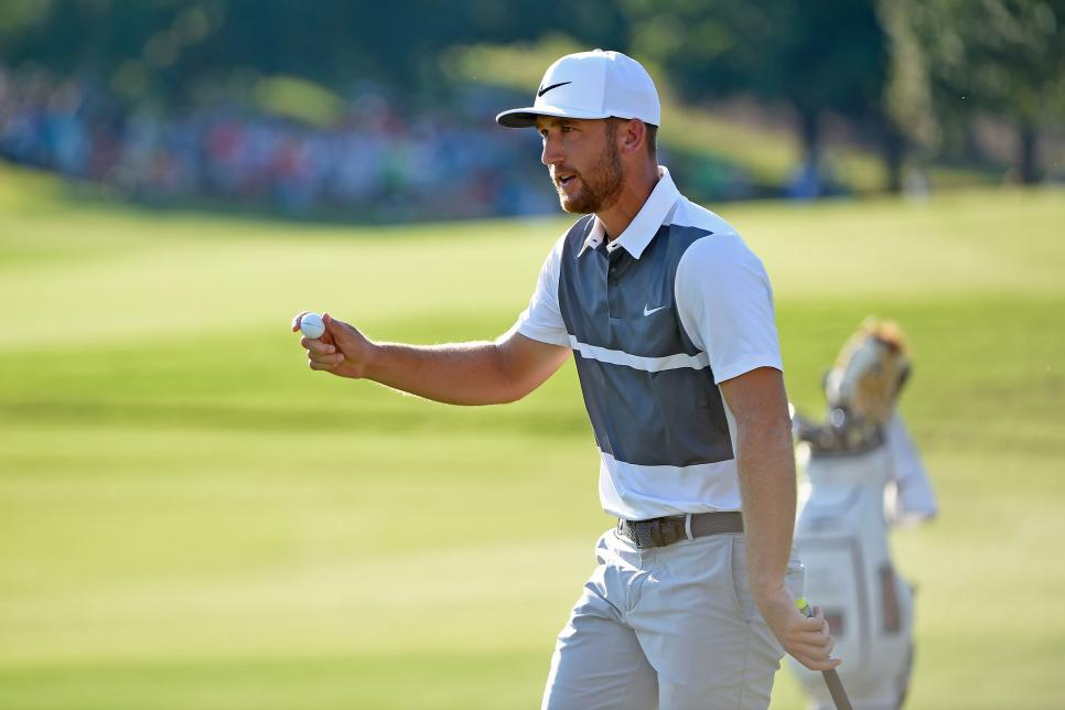 waving-ball-kevin-chappell-tour-championship-2016.jpg