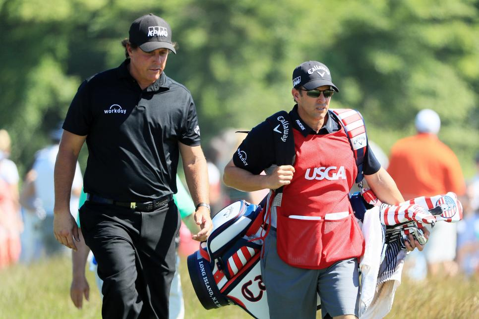 phil-mickelson-tim-mickelson-us-open-2018-walking.jpg